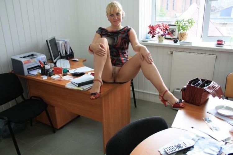 Эротика в кабинете фото имени
