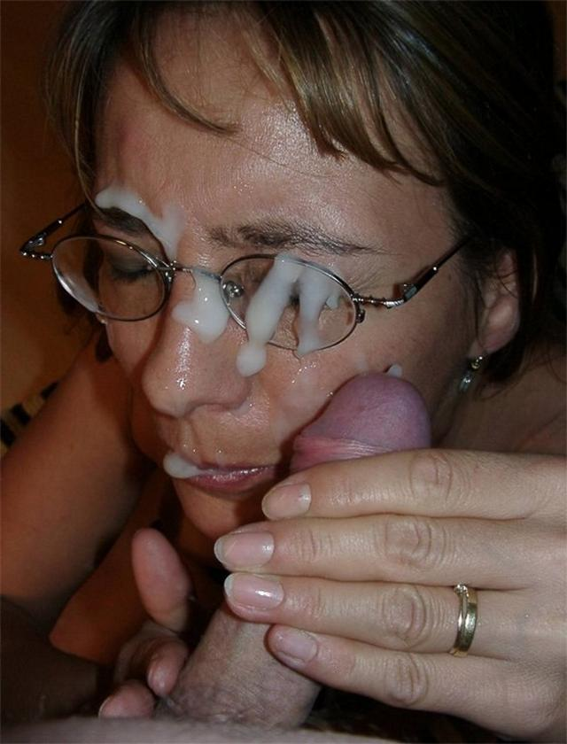 Brunette cock picture sucking