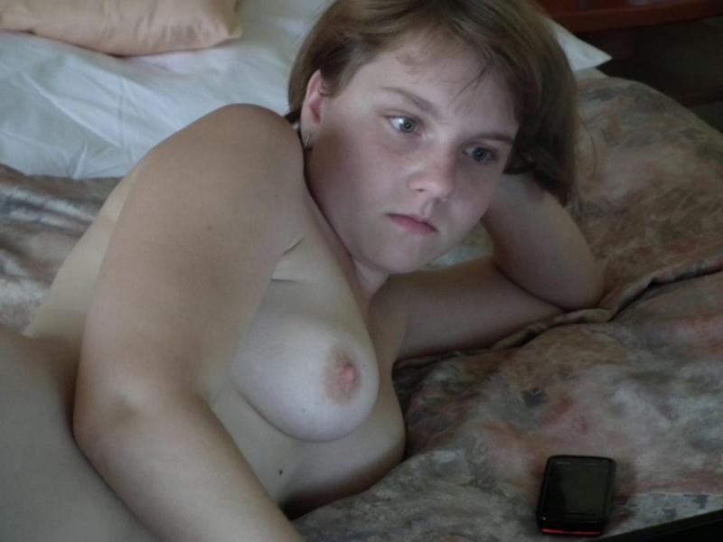 Красивые Порно Фото Молодой Блондинки Участвующей В Оральном Сексе С Мужиком.