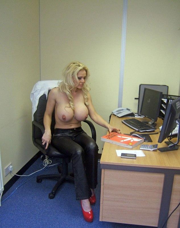 Частные фото голых секретарш